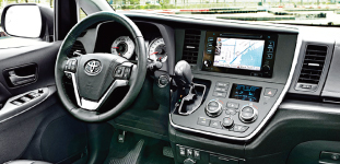 2015-sienna-se-with-technology-package-03