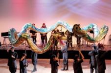 「カラコロ」 沖縄伝統演舞・エイサーを披露!