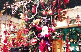 逆さまのクリスマスツリー