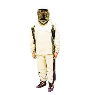 D 山中へ避難した時に役立つ蚊や虫から体を守る防護スーツ。Bushline Outdoor Bug Suit $39.99