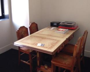 今回の部屋にはなんとターンテーブルも置いてありました。