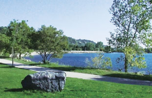 輝くオンタリオ湖に癒される
