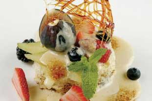 デザートはクリームブリュレやティラミスなど8種類から選ぶことができます。