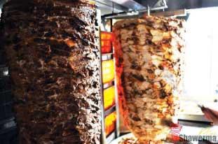"""""""Shawarma Veal"""" 日本でも時々見かける有名なお肉です。Shawarmaというサンドイッチラップに使われることで有名です。"""