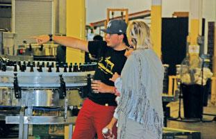 ツアーでは、ビールの製造過程を見学できる