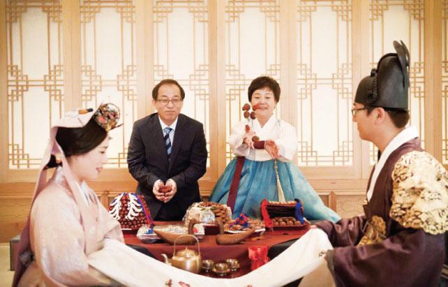 家族のみで行われるペベク(韓国結婚式)