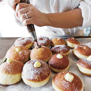 Bomboloni Italian Doughnut
