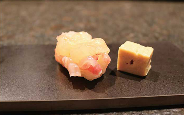 話題になったKINKA JAPANのカナダ産活きロブスター寿司