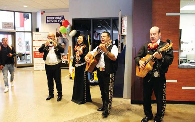 この日はヒスパニック文化に関するイベントで音楽や食事を楽しむことができた