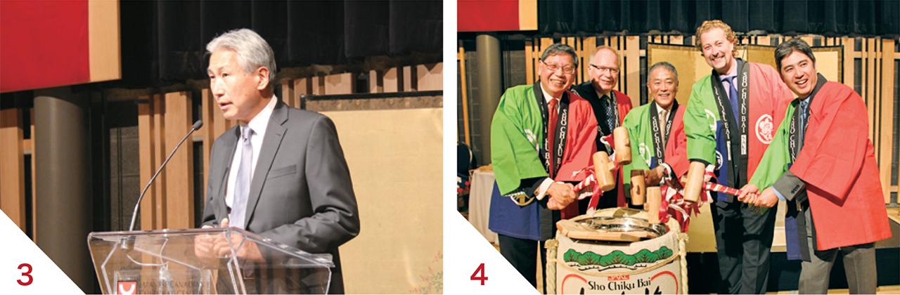 3乾杯の挨拶をするゲーリー川口・日系文化会館会長  4左からゴッドウィン・チャン・リッチモンドヒル市議会議員、ウィルフォート元日加議連会長、中山総領事、トレバー・バーチ・ウッドストック市市長、スティーブ・ヤマダ・ウィットビー市議会議員