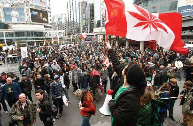 昨年のNational Marijuana Dayの様子 @ダンダススクエア
