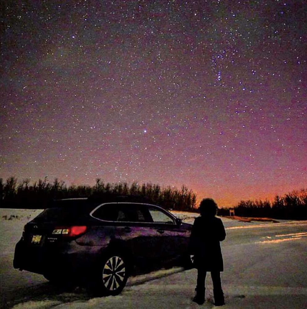 今年の年明けは愛車Auroraと満天の星の下で迎えました @Elk Island Park