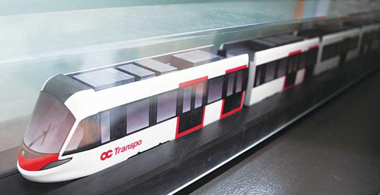 オタワ市庁に置いてある2018年開通予定のLRTの電車の模型