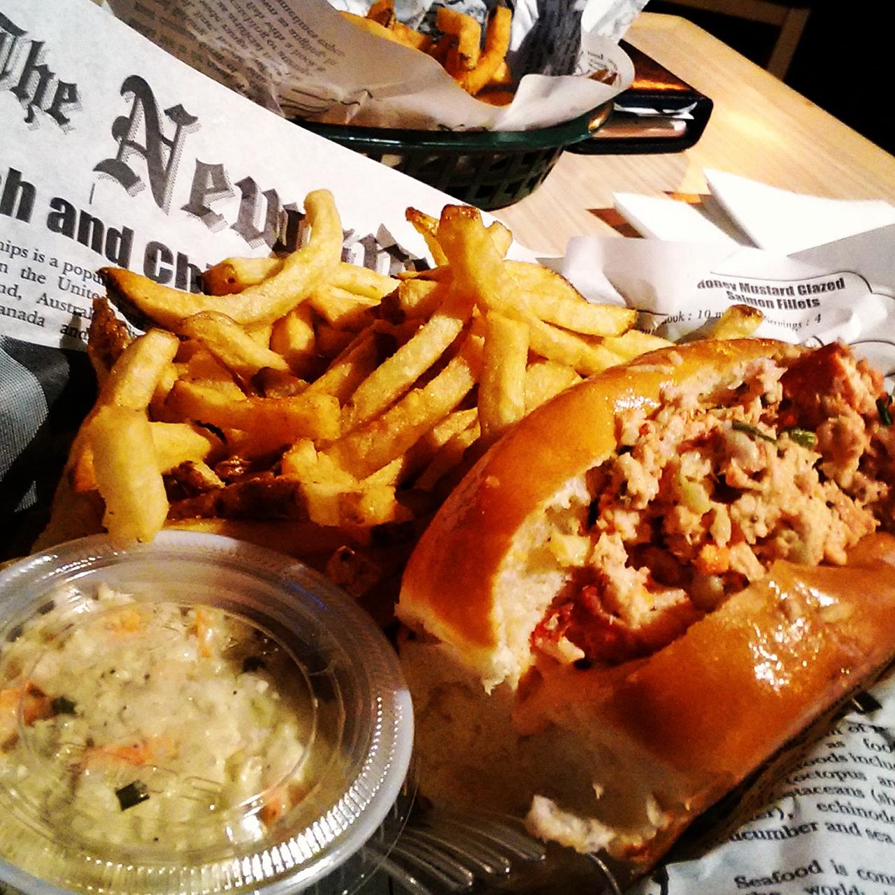 tasty-lobster-roll02