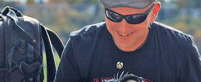 """「デジタルが当たり前の今だからこそ、フィルムカメラ""""チェキ""""が持つ魅力を伝えたい」写真家  ジョン・ウィードさん インタビュー [FUJIFILM×TORJA] Vol.2"""
