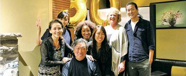 日本食文化をカナダで広めてきた『舞レストラン』が長年の地元常連客とともに盛大に30周年記念パーティーを開催!