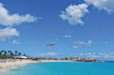 大型飛行機の発着が間近で見える!セント・マーチン島 | H.I.S.オススメ オトナの旅