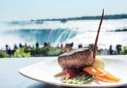 カナダの大自然に包まれた絶景レストラン|特集「 カナダって実にいいところ」