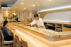 大人の隠れ家のような 寿司屋「寿限無」でしっぽり過ごす|特集「残りわずかな夏に押さえておきたいトロント8トピック」