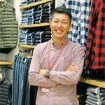 ヴォーンミル店の店長 入江学さんに聞くカナダライフに溶け込むユニクロの魅力とこだわり|カナダでもっとUNIQLOを好きになる
