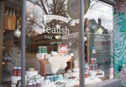 Roncesvalles通りの紅茶専門店、tealish
