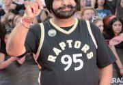 注目の スーパーファン !移民の国カナダが生んだ 公認スーパーファン ナヴィ・バティアさんストーリー|特集 トロント・ラプターズ