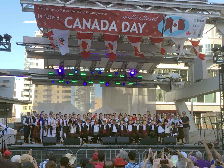 カナダの誕生日をシルビアの踊りで祝う。