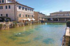 イタリア(10)トスカーナ巡り(4):温泉で国際交流?|紀行家 石原牧子の思い切って『旅』第35回