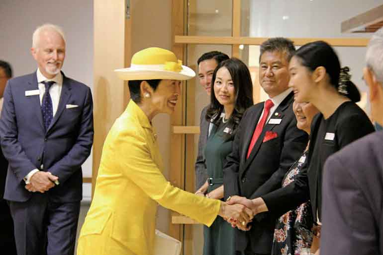モリヤマ・日系ヘリテージセンターを視察される憲仁親王妃久子殿下