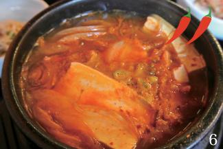 ▼Kimchi Soup/$7.95 日本でもお馴染みのキムチチゲ。具材はポーク、ビーフ、ツナから選ぶことができる。中でもツナが韓国でも一般的で、オススメ。このスープは辛すぎないので辛いものが苦手な人でも大丈夫。