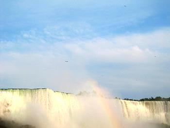 niagara-falls-on-weekdays-04