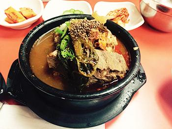 moms-korean-food-01