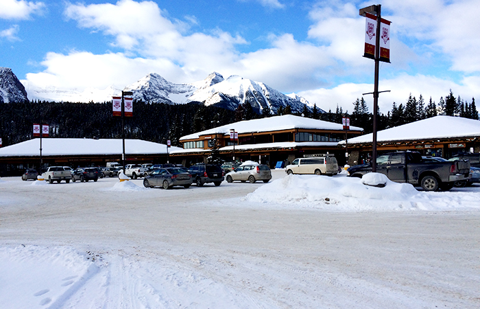 lake-louise-in-banff-01