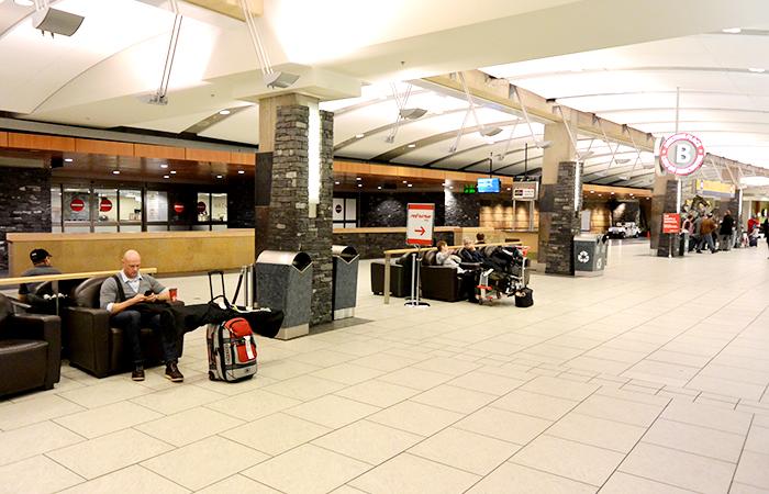calgary-international-airport-04