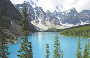 Moraine LakeとValley of the Ten Peaks