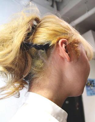 "Junさんによるゴージャスな""花""。金髪にアクセントの一筋の黒が映えます@perrru"