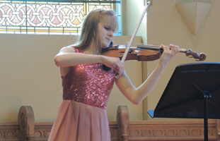 第1回MDA Youth Composition Competitionに優勝したLeslie Ashworthさん