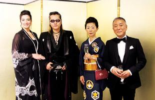 Marisa夫人、石井竜也さん、中山泰則総領事、千鶴子夫人