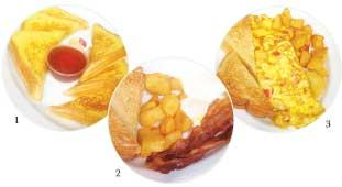 """1.""""French Toast"""" 旅先の朝食でつい食べたくなるのがフレンチトーストです。シロップとバターが付いてきます。  2.""""Bacon&Eggs"""" 朝食で王道のベーコンエッグです。ハウルの動く城の朝食を思い出しました。ブレッドとポテトが付いてきます。  3. """"Omelette Plate""""こちらはオムレツプレートです。中には野菜やハムなどがたっぷり入っているのでボリュームがあります。"""