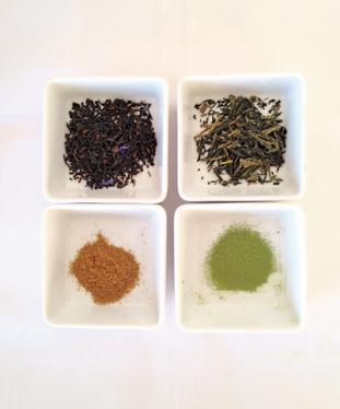 (左上)アールグレイ (右上)煎茶 (下)鮮やかできめ細やかな粉末茶に変身!