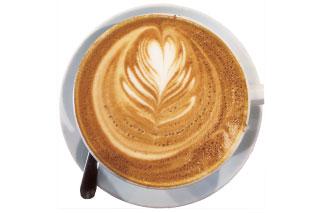 艶のあるカフェラテ