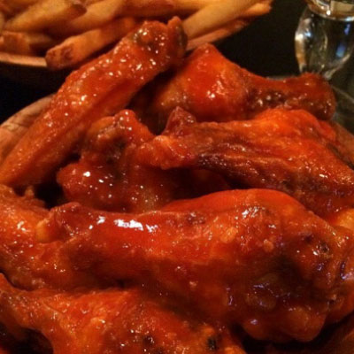 duffs-famous-wings-02