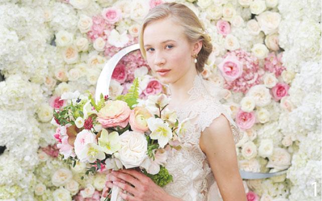 1 ロマンチックなウェディングを彩るたくさんの花々