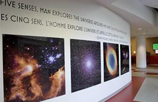 壮大な写真が天文学ゾーンへの入り口