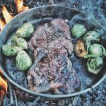 [外遊び4] 男の料理!? 野性味溢れるキャンプ飯