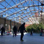 中庭のスケートリンク