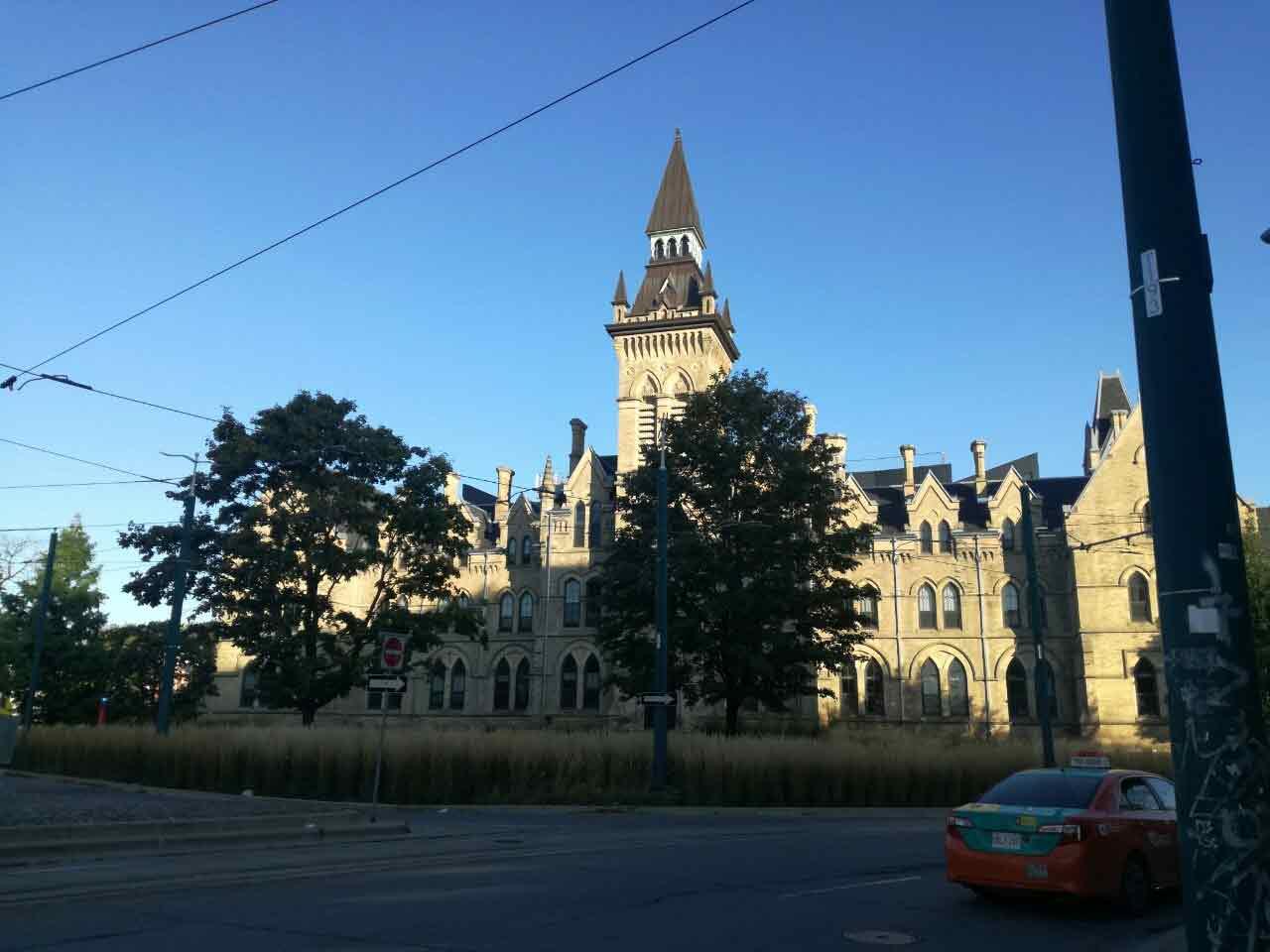トロント大学キャンパス