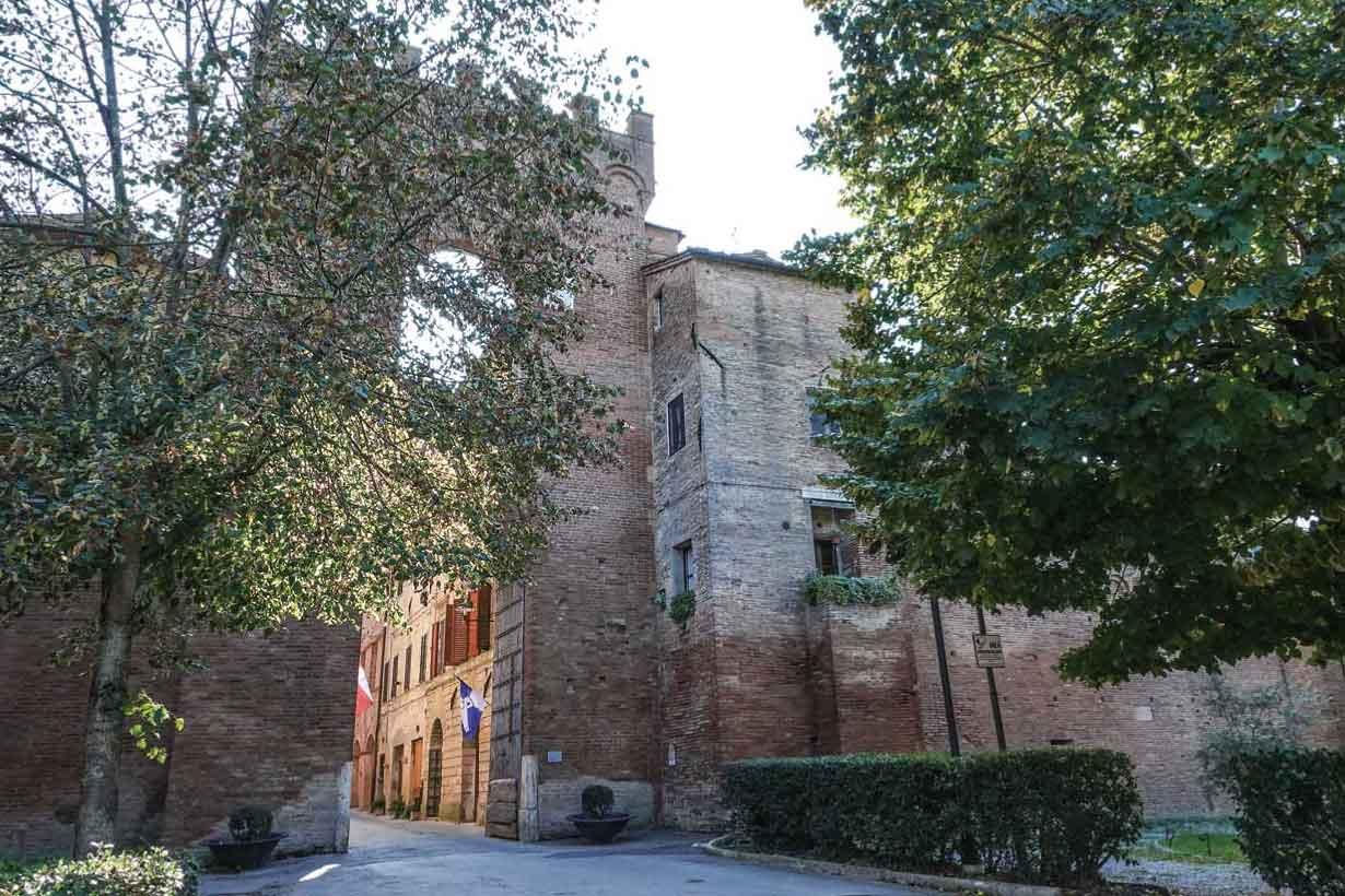 中世の門が今も残る ブオンコンヴェントの歴史地区