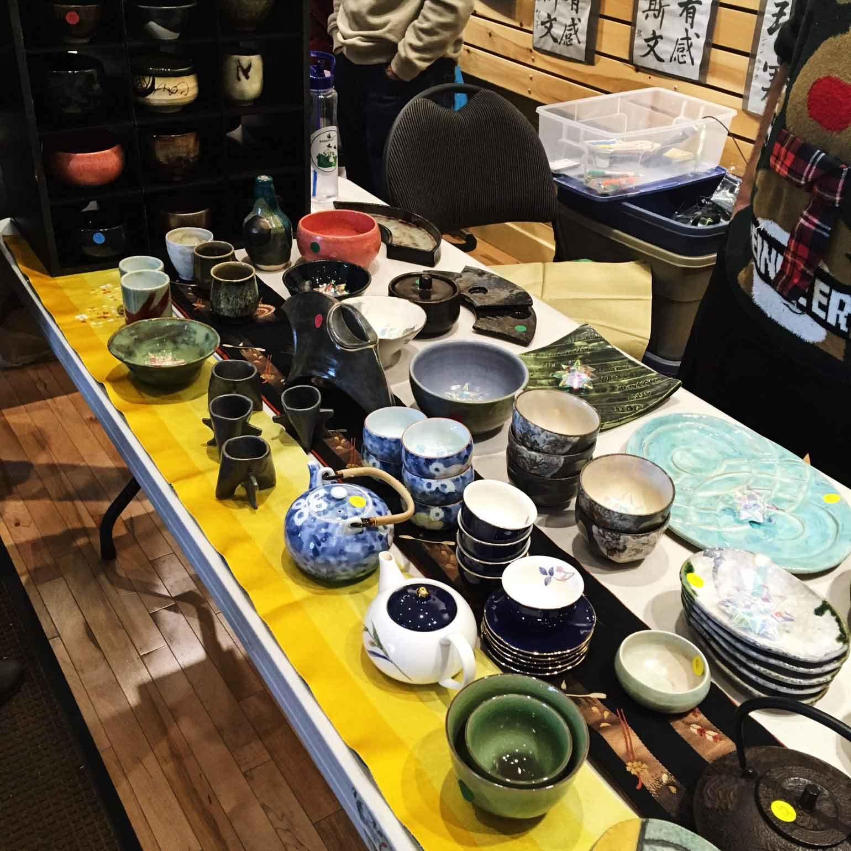 和食器を販売しているブース。