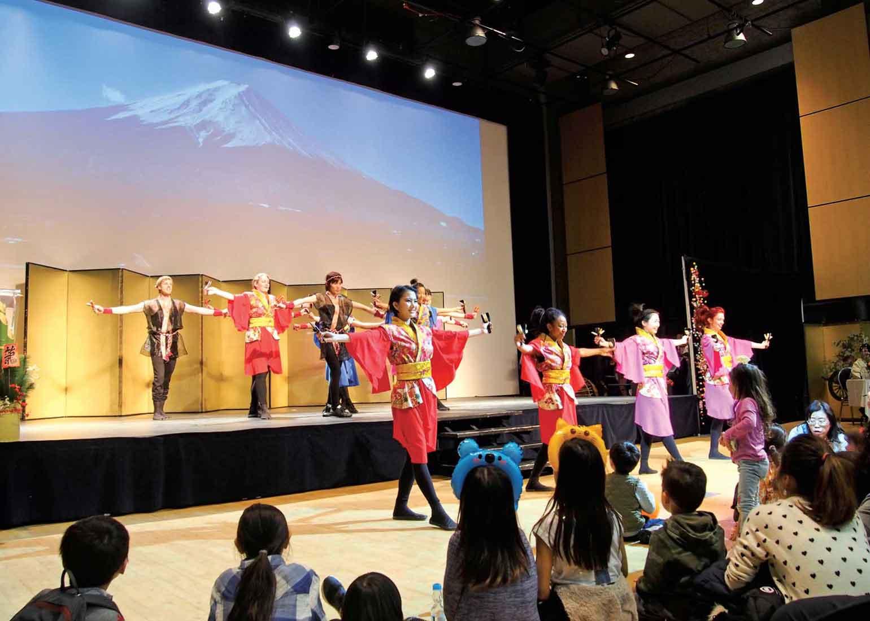 「桜舞」によるよさこいパフォーマンスも大盛り上がり